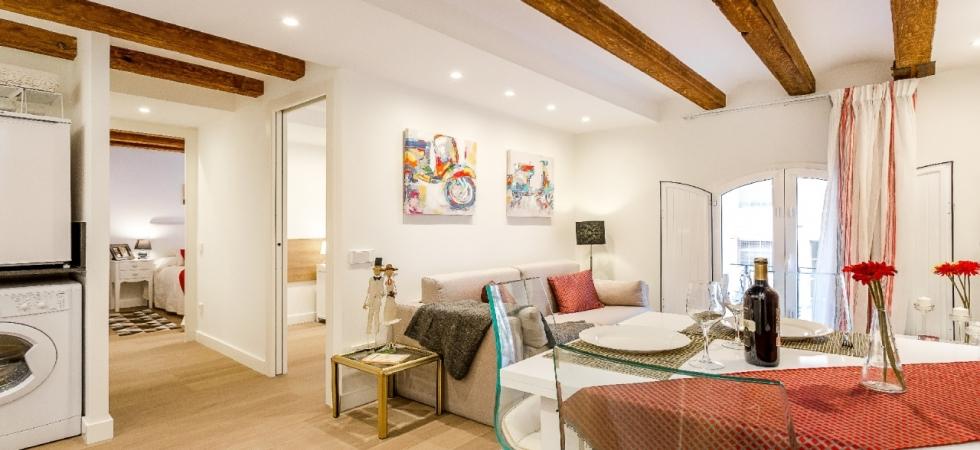 5991) Urban District Apartments Barcelona / Living Area
