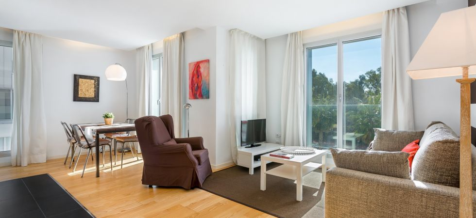 13858) UD Rambla Suites & Pool 22 (1BR), Barcelona / Living Area