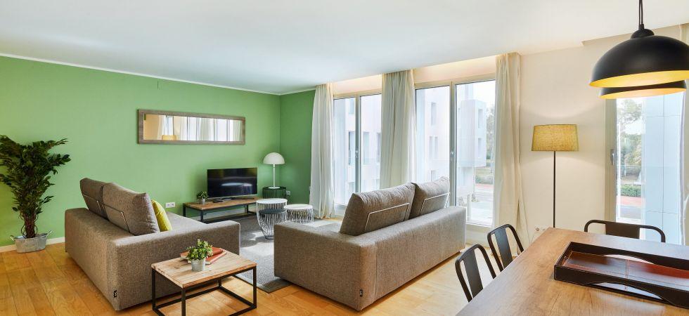 9425) UD Rambla Suites & Pool 27 (2 BR), Barcelona