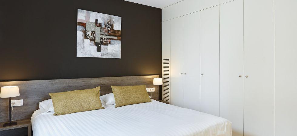 14741) UD Rambla Suites & Pool  25 (1BR), Barcelona